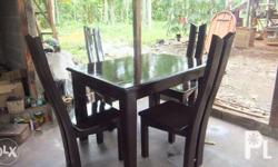 -4 sitter dining set -made from mahogany wood