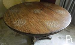 Six setting Nara round table with bone inlay