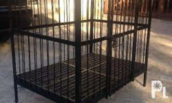 Selling a brand new and heavy duty dog cage with roof