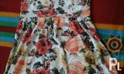 Dress with floral design with v back style