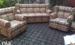 Includes: Center Table 5 Throw Pillows Materials Used: