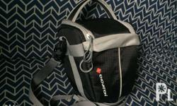 Selling my slightly used Enovation Camera bag. Fits