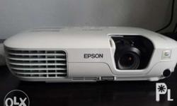 Epson EB-X7 Video Projector Slightly used 99% smooth,