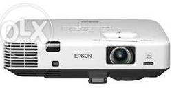 Selling a brandnew unsused Epson 3D projector. Item