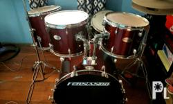 Very slightly used drum set. Barely used. Contact me