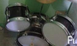 Fernando Mini Drum Set (Yet to be cleaned) Contains: -