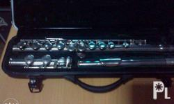 Color silver, nice sound, with hard case