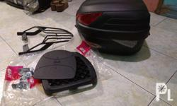 -Givi box and Mr5 monorack bracket for raider 150 -Php