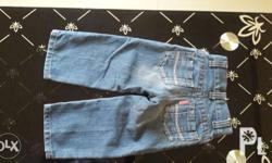Pre loved item. No damage and durable. Can be worn by 6