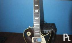 Selling my Gibson Les Paul Electric Guitar(Replica) w/