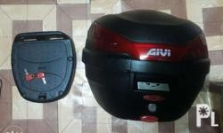 For sale ORIGINAL GIVI BOX 2000 With BASE PLATE and 2