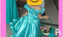 Hi! I'm selling my daughter's Gown Fit for 4-7 years