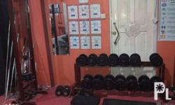 Selling 3 months old gym equipments 1000 lbs plates