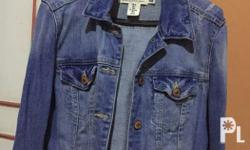 Selling this denim jacket in size 36 (M) that has only