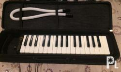 Selling my Hohner Melodica Student 32 Black. Hardly