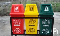 Hooded and waste master trash bins Sizes: 132 liters -