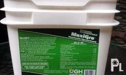 Hydroponics Nutrient Solution MaxiGro & MaxiBloom for Sale