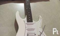 Iba�±ez electric guitar Color white Good as new See