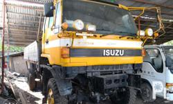 Isuzu 4x4 truck dropside engine 10PC 6speed manual