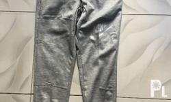 Brandnew jogging pants large size, good fitting and in