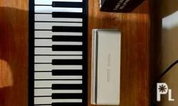 Almost brand new keyboard foldable easy to use good for