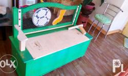 Used kiddie bench puede storage ng toys..slight
