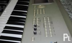 Deskripsiyon Slightly Used KORG Triton Studio Keyboard