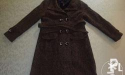 Pre-loved coat used in just one trip abroad. Perfect
