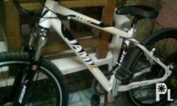 hi.im selling my jamiz downhill mountainbke for 9k..