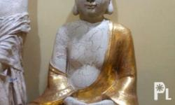 Meditating Buddha Made of fiber resin Very Elegant