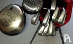 Complete golf club set. Light weight and durable.