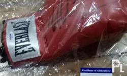 ThisMIKE TYSON EVERLAST RED Signed Glovehas been