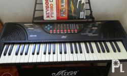 MILES Electronic Keyboard with FREE 2 Learning Booklet.