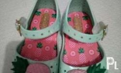 - Original Mini Melissa Pineapple size 6 - Bought in