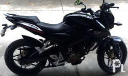RUSH SALE I'm selling my ROUSER NS200 �4months old