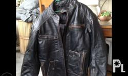 Leather jacket wid pads size large gling europe d p