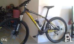Very urgent sale 5 months used Giant mountain bike,need