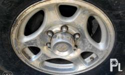 Rim 6 holes.4 pcs with hub cap.pwede pud package w