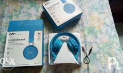 selling this brand new 4 in 1 bluetooth headphones good