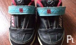 - Authentic - Slightly Used - Blue - Size 5c (US) - In