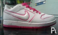 nike shoes see pictures below... 0910-275-9013