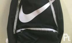 Nike swoosh halfday Bag backpack 9/10 condition Qc