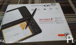 Nintendo ds XL Complete set and manual No damage Almost
