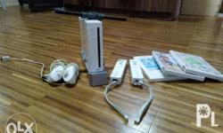 2nd hand Nintendo Wii from Japan 2 wiimote joysticks, 2