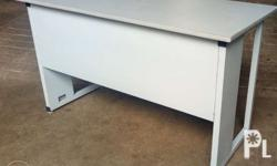 FACTORY OVERUN PRODUCT 1 pc Office or Computer Table