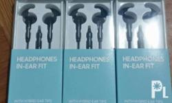 Original brand new and sealed samsung headphone in ear