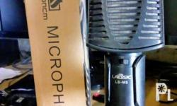 Selling my pc microphone with box. Original price is