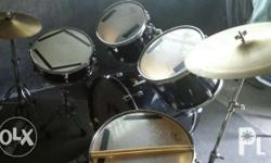 For sale pearl target series drumset taiwan made.