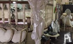 Pearl white and gold statue decor 30k Each Gold (1
