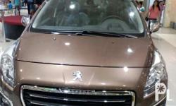 Peugeot 3008/model. French crossover. Panoramic roof